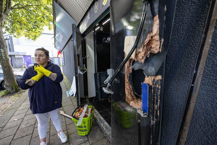 De manager van de Poolse supermarkt na de explosie bij de Kubus XL in Lelystad.