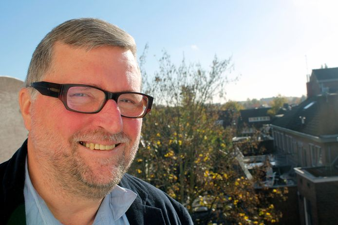 Professor Fred van Iersel heeft zich gespecialiseerd in miltaire ethiek.