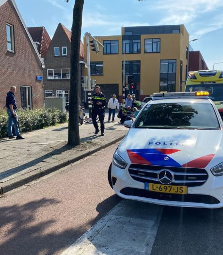 Trucker ziet fietsster in Zwolle over het hoofd: vrouw komt onder vrachtwagen terecht