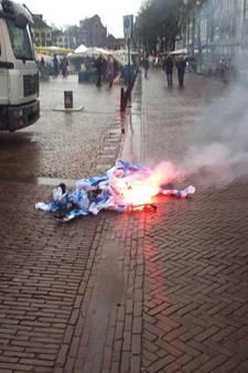 Opgehangen PEC-poppen verbrand op de Brink in Deventer