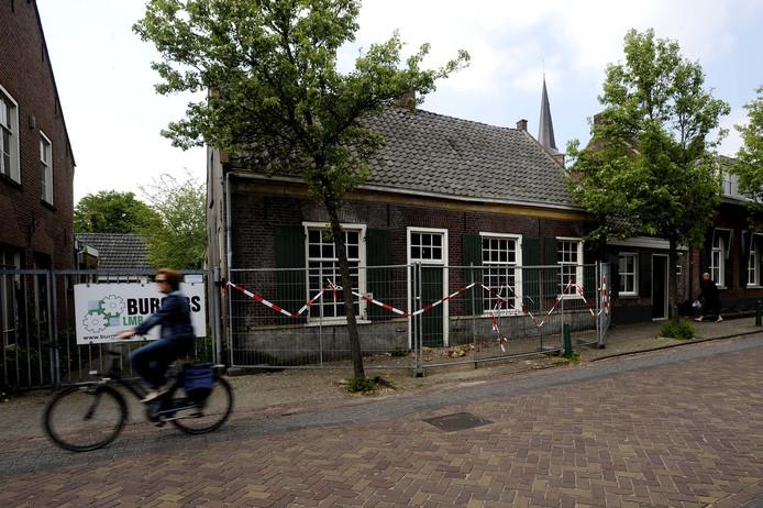 Van schoenfabriek AvanG is aan de Schoolstraat alleen dit historische bedrijfspand overgebleven (foto uit 2011).