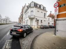 Brugge schiet fietsers te hulp: stad draait rijrichting Gieterijstraat om tegen sluipverkeer naar Ezelstraat. Ook twee knips op de planning