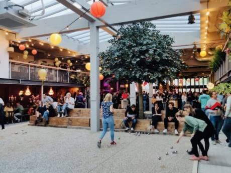 Bier, boules en bitterballen onder één dak in Delft