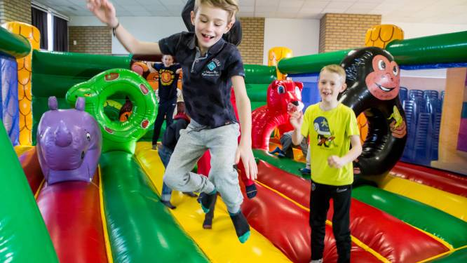 Niet-Oostendse kinderen opnieuw welkom in speelpleinwerking, maar ze betalen wel een pak meer... Behalve als de ouders een tweede verblijf hebben