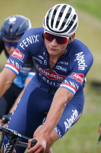 """Geen derde nationale titel voor Mathieu van der Poel na opgave:  """"Ik had gewoon een slechte dag"""""""