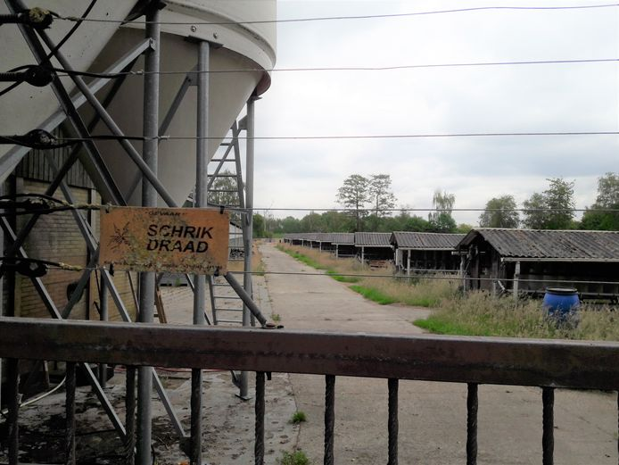 Aan de Vossenhoorn in Moergestel is ook de pelsdierenfarm van Helmer verleden tijd.