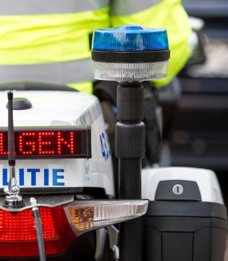 Automobilist crasht met gestolen auto in Etten-Leur na levensgevaarlijke ontsnappingspoging aan politie