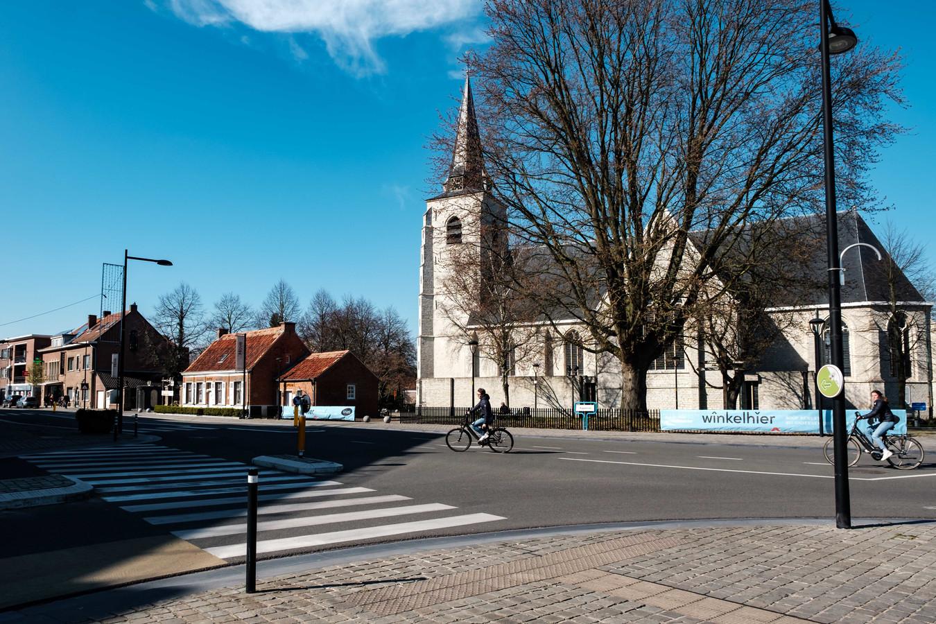De kerk in de Kapelstraat in Hove.