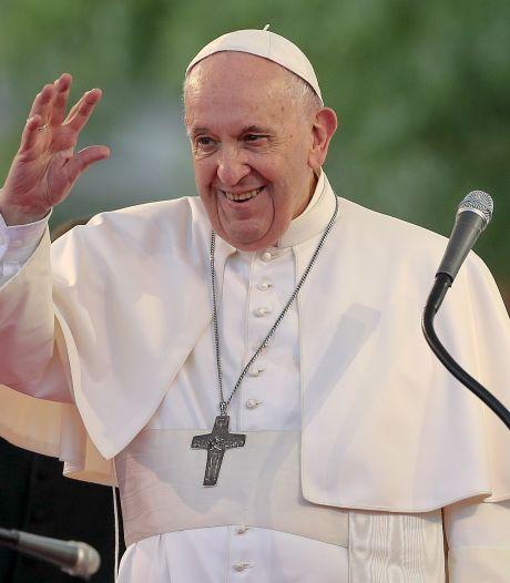 Le pape rencontre les Roms en Slovaquie dans une des régions les plus pauvres d'Europe