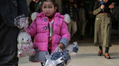 """Kan Yasmine (4) opgroeien als een normaal kind na ontvoering naar Syrië? """"Eerst naar school, dan pas naar psycholoog"""""""