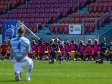 Amerikaanse voetbalsters onthullen seksueel misbruik coach: 'Weerzinwekkend en onaanvaardbaar', voorzitter profliga stapt op