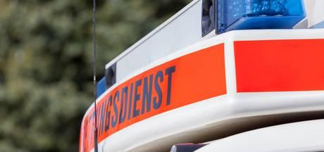 Fietsster (40) zwaargewond bij botsing met auto in Nordhorn