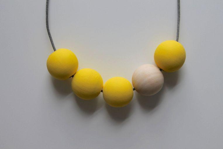 Handgemaakte ketting van hexagonmoonnecklaces, € 10 via Etsy.com Beeld Packshot