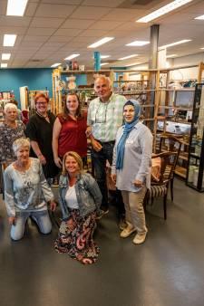 Thanaa tolkt en Bert heeft geduld bij Humanitas in Helmond