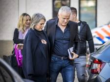 Misdaadslachtoffers steken kaarsjes aan voor Peter R. de Vries: 'Dit is zo oneerlijk'