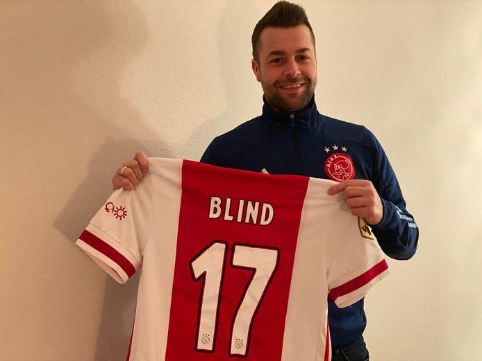 Danny van Laar met het shirt van Daley Blind