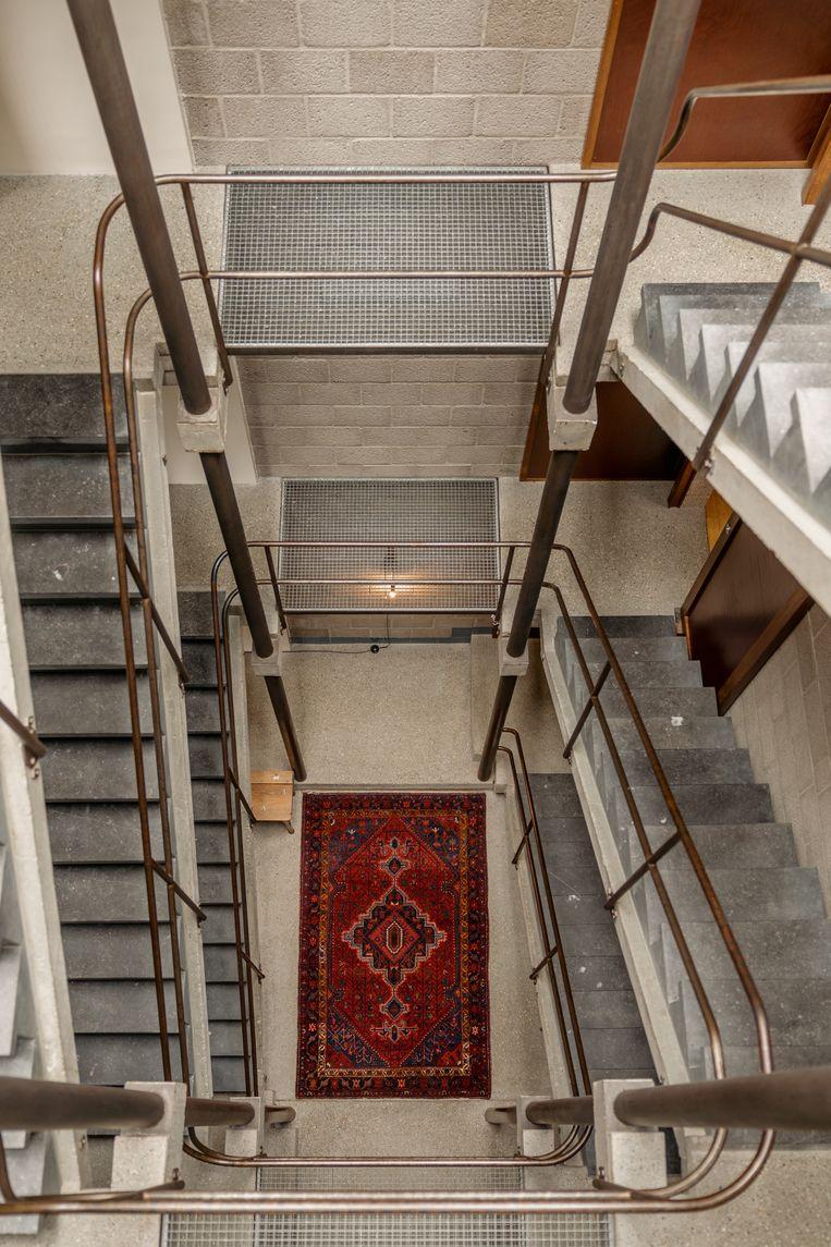 Het imposante trappenhuis. Beeld Hannelore Veelaert