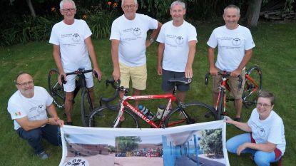 """Kwieke zestigplussers willen 800 kilometer fietsen naar Santiago de Compostela voor goede doel: """"We willen een school bouwen in een Senegalees broussedorp"""""""