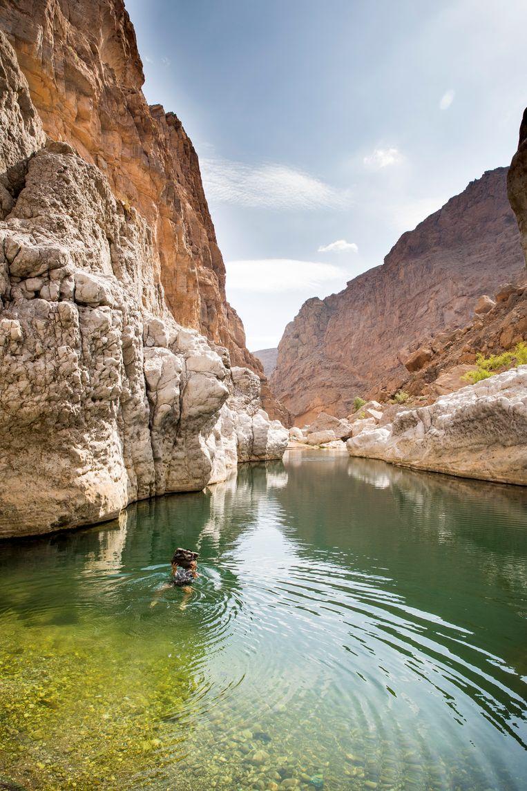 Het is drie kwartier lopen naar deze wadi, maar dan heb je de plek ook voor jezelf. Beeld Marie Wanders