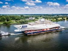 Luxe jacht van 109 meter 'vaart' naar Alblasserdam
