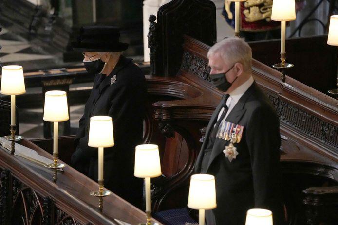 Queen Elizabeth II en prins Andrew.