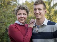 Voor de Boekelse boerin Steffi en 'haar' Roel uit Hapert is de tijd van verstoppertje spelen nu echt voorbij