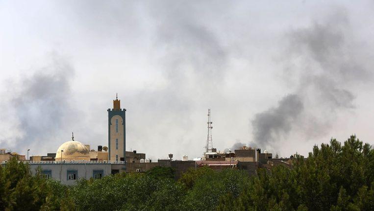 Rook boven Tripoli. Beeld afp