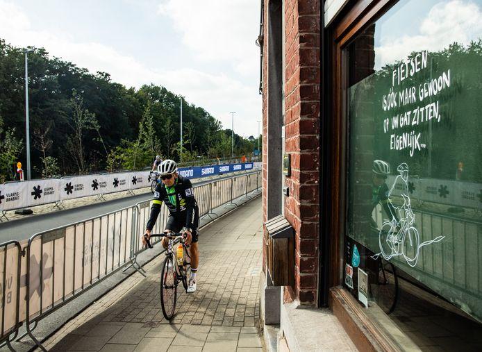 De ronde voor wielertoeristen op het WK parcours gisteren in Leuven.