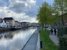 Nieuwe steigers aan Zwolse stadsgracht: straks met een drankje op het waterterras?