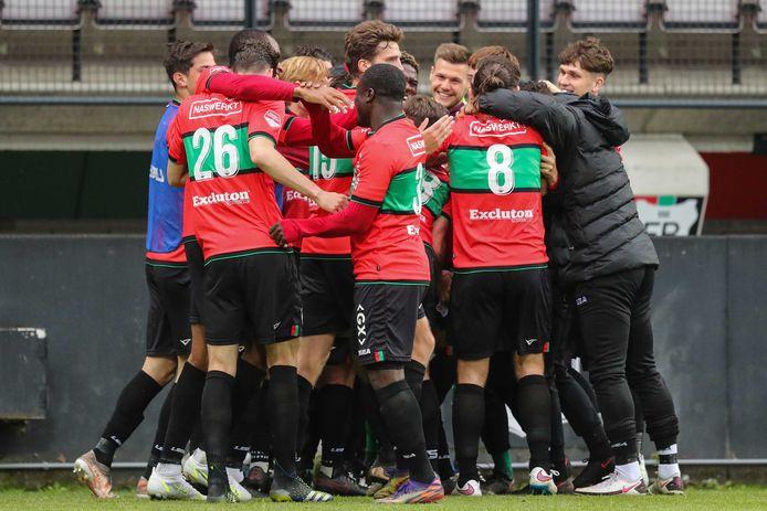 Spelers van NEC Nijmegen vieren de 3-0 tijdens de play-offs promotie/degradatie wedstrijd tussen NEC Nijmegen en Roda JC.