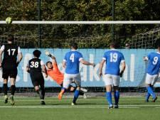 FC Uden wint in vriendelijke wedstrijd met tien kaarten van WHV