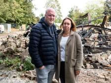 Erik en Marieke uit Balkbrug horen in Oostenrijk dat hun Bowlingboerderij afbrandt, 'maar we gaan dóór!'
