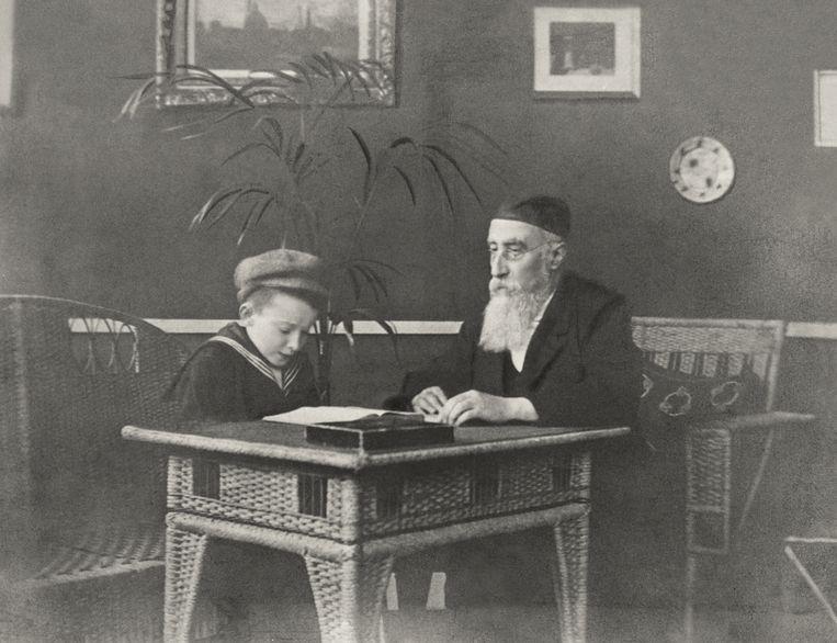 De jonge Jo Spier krijgt godsdienstles van Benjamin Frank, Zutphen, rond 1910. Beeld