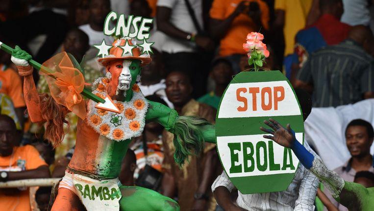 Een voetbalsupporter in Ivoorkust Beeld afp