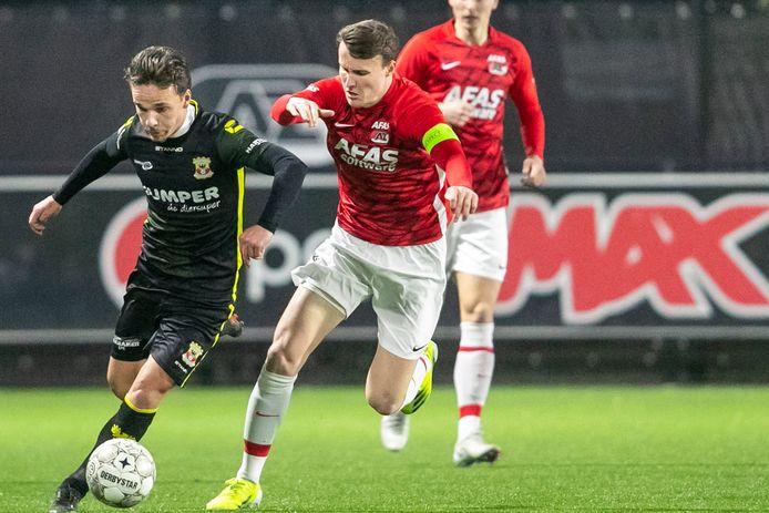 Bradly van Hoeven maakte maandag tegen Jong AZ de eerste helft niet vol. De vleugelspeler moest met een enkelblessure naar de kant en is nog een twijfelgeval voor vrijdagavond.
