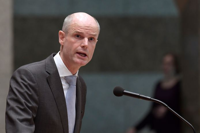 Vandaag werd in de Tweede Kamer het mondelinge wekelijkse vragenuur gehouden. Stef Blok, minister voor Wonen en beantwoordde vragen over de huurcrisis van middeninkomens.
