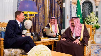 """Brits minister van Buitenlandse Zaken bezoekt Saudi-Arabië: """"Vrede in Jemen is vereist. Anders leveren we geen wapens meer"""""""
