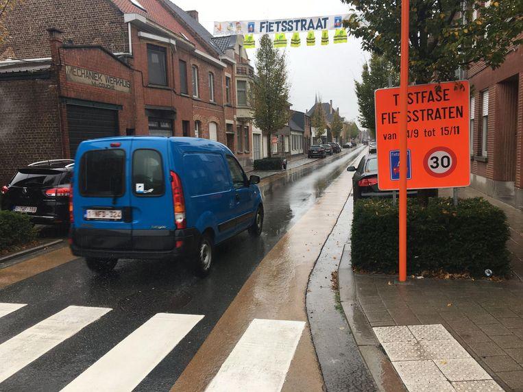 Volgens een bevraging van Unizo is sinds de komst van de fietsstraten het verkeer voorlopig nog niet veiliger geworden in het centrum.