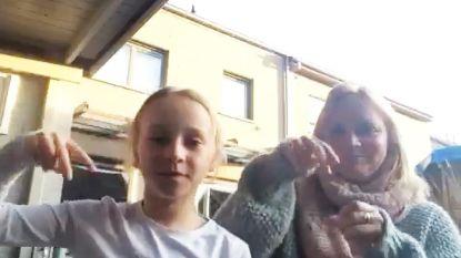 VIDEO: Bart Peeters diep ontroerd door prachtig filmpje van Julie en Vanessa in gebarentaal