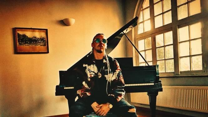 """Presta lanceert nieuwe track 'Gasolina' en laat heisa rond dode slang achter zich: """"Grote doorbraak zit eraan te komen"""""""