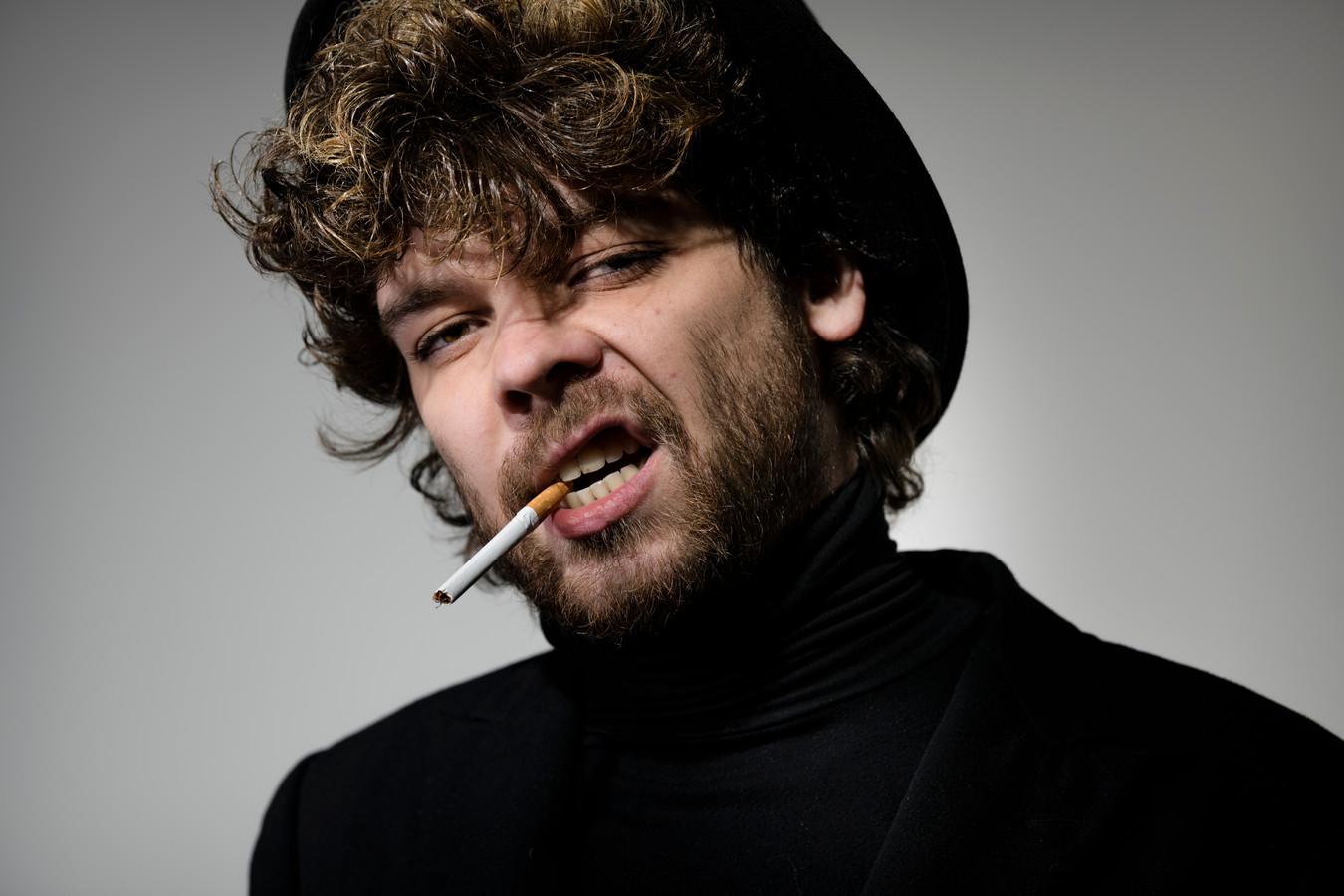 """Niels F. Rodenburg: """"Iedereen, echt iedereen, hoort erbij. De dakloze, iemand met een hoofddoek, de prostituee, iedereen. Daar sta ik voor."""""""