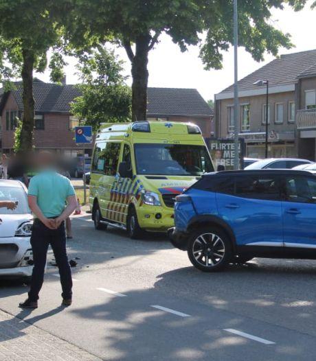 Drie auto's beschadigd bij aanrijding in Wekerom