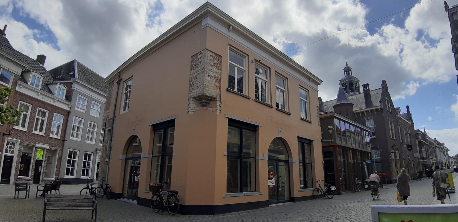 Coen Crusio wil met zijn ijssalon verhuizen naar rijksmonument de Waag aan de Zuivelstraat.