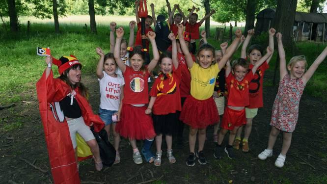 FOTOREPORTAGE. Gemeenteschool De Boemerang kleurt zwart-geel-rood: leerlingen massaal als Rode Duivels op de schoolbanken