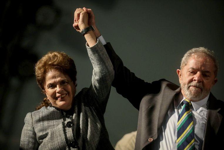 Lula met Dilma Rousseff, die net een jaar geleden uit haar ambt werd ontheven. Beeld EPA