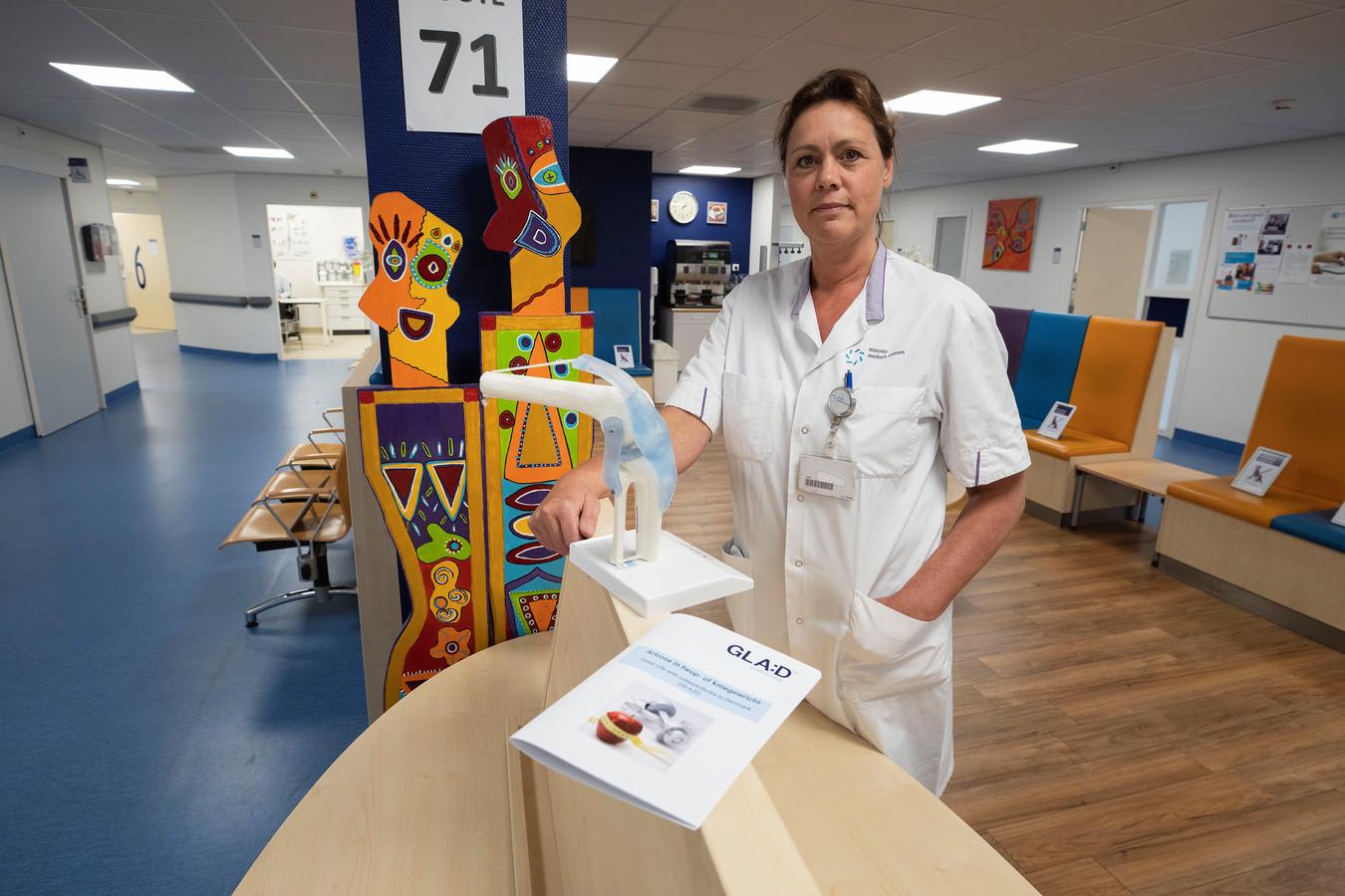 Christa van Doesburg is verpleegkundig specialist van de afdeling orthopedie van het Máxima Medisch Centrum.