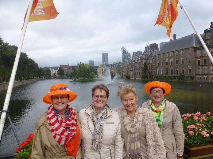 Met Tubantia naar Prinsjesdag in Den Haag.
