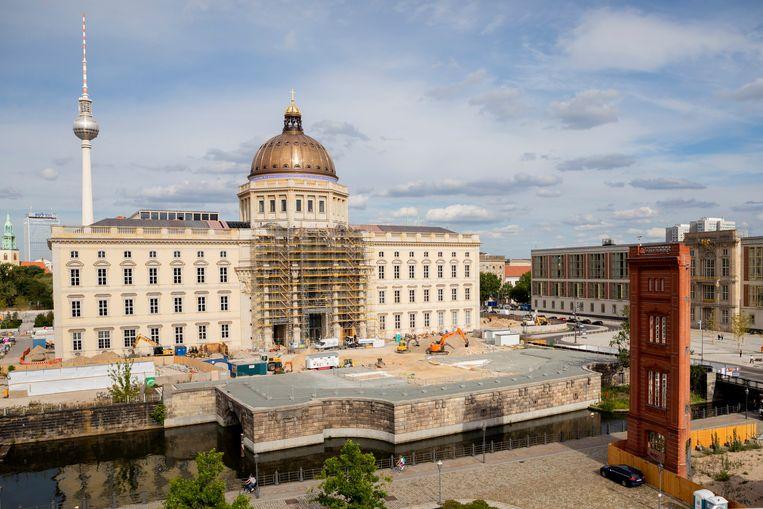 Het etnografische museum Humboldt Forum in Berlijn bezit ongeveer 440 stukken die afkomstig zijn uit voormalige koloniën en mogelijk worden teruggeven aan het land van herkomst.   Beeld Christoph Soeder/DPA
