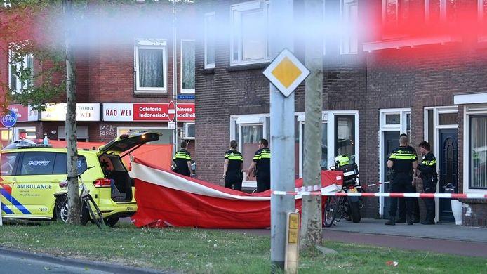 Vlak na het dodelijk ongeluk op de Spinozaweg in Utrecht
