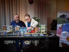 Deelnemers Lego Masters maken spoorlijnen van lego: 'We hebben Mark Rutte als grapje toegevoegd'